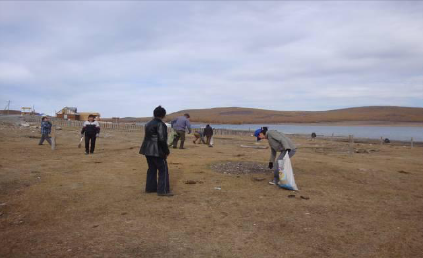 2012 Shoreline clean-up of Hovsgol lake